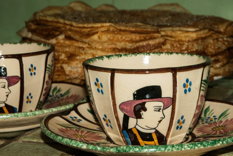 candlemas_brittany_pancakes_earthenware_breton-827593